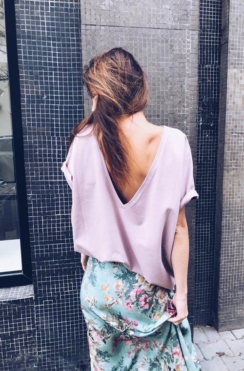 BACKLESS T-SHIRT